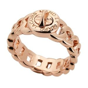 Rose Gold Turnlock Ring